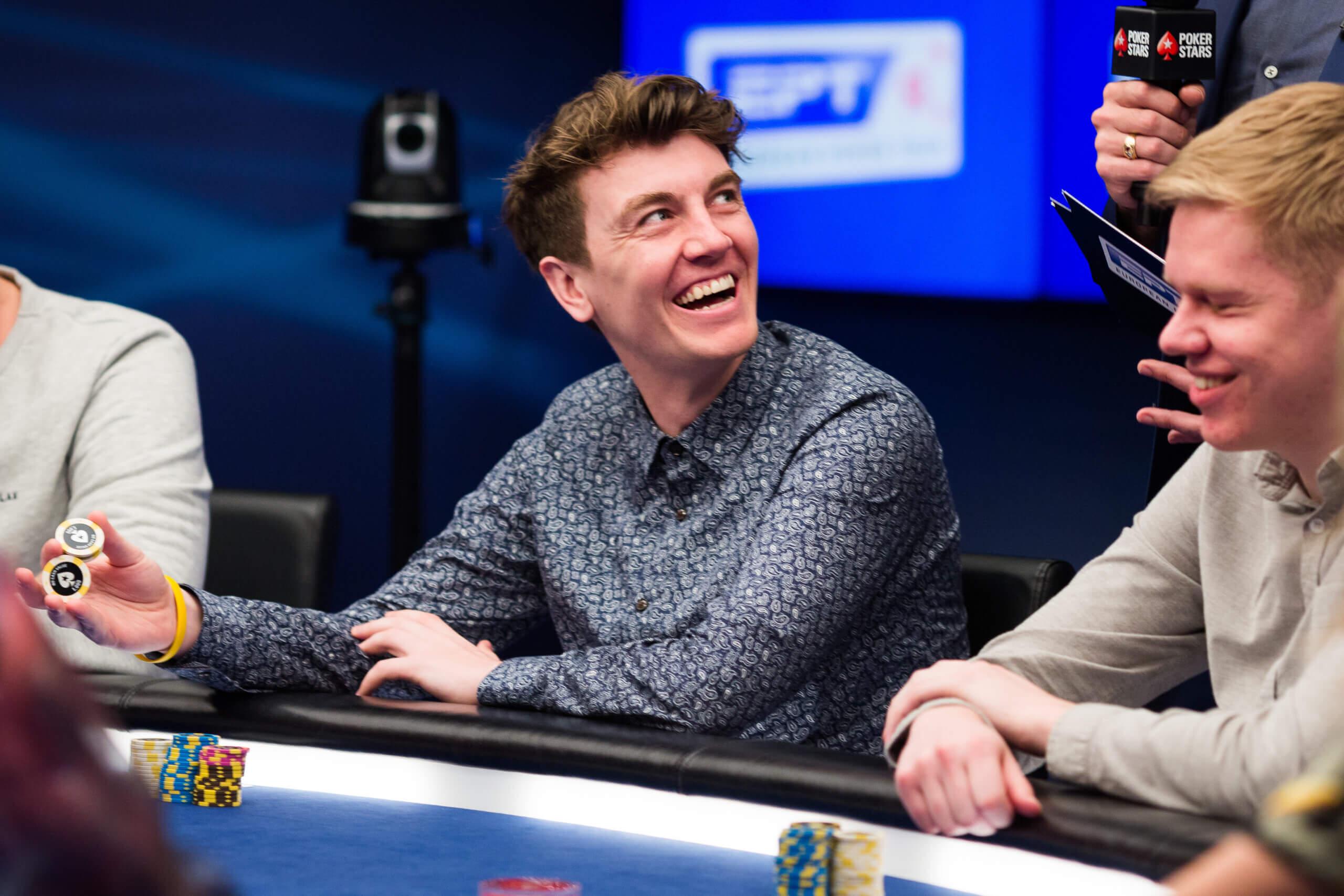 Смотреть покер ept malta main event 2016 онлайн на русском инструкция пользователя голден интерстар