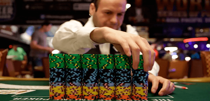 WSOP Dealer Allowed Player to Hand Over His Big Stack to Another Person!